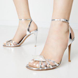 ALEXANDRE VAUTHIER - Srebrne sandały Ophelia z kryształową aplikacją.